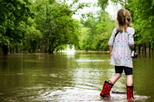 Child_Wading_Flood
